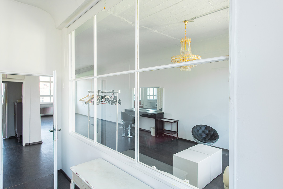 Glaswand Mietstudio Berlin Tageslichtstudio
